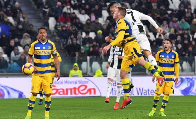 Cristiano Ronaldo anota su segundo gol de la noche ante el Parma.