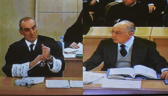 El fiscal jefe de Anticorrupción, Alejandro Luzón, en un momento del interrogatorio a Rodrigo Rato por el juicio del 'caso Bankia'.