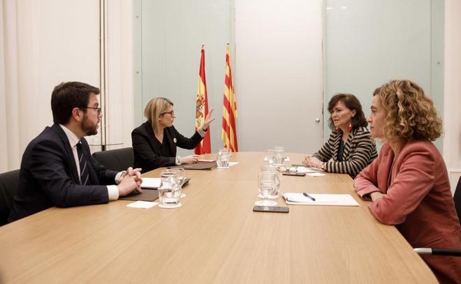 Representantes de Gobierno y Generalitat, durante su reunión en Barcelona el pasado diciembre