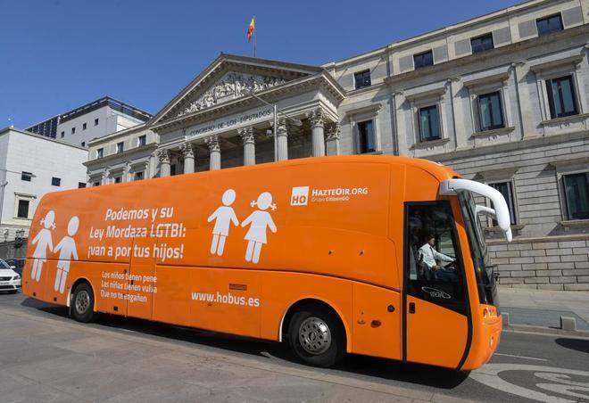 El autobús de Hazte Oír que recorrió las calles españolas durante...