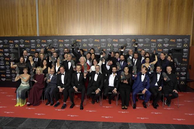 Foto de familia de todos los premiados en la última edición de los...