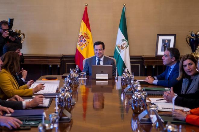 El presidente de la Junta, Juanma Moreno, preside el consejo de gobierno en San Telmo.
