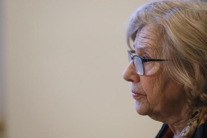 Manuela Carmena, ayer, en una entrevista en su despacho de Cibeles.
