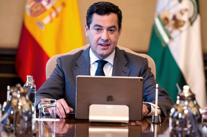 El presidente de la Junta, Juanma Moreno, durante el Consejo de Gobierno.