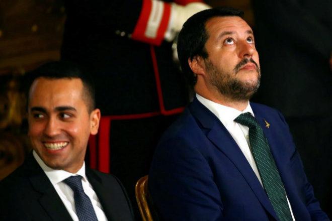 El Ministro de Desarrollo Económico italiano, Luigi di Maio, y el Ministro de Interior, Matteo Salvini, en el Palacio del Quirinal.