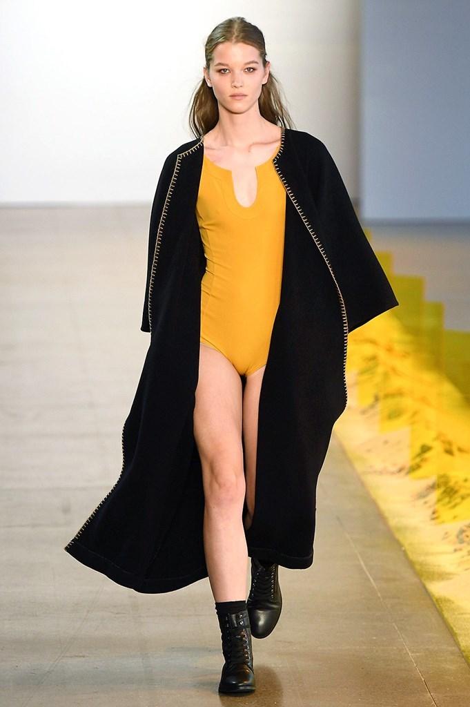 Desfile de Noon by Noor- Semana de la moda de Nueva York - Colección...
