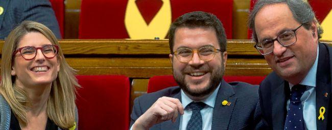 El presidente de la Generalitat, Quim Torra, junto a los consellers...