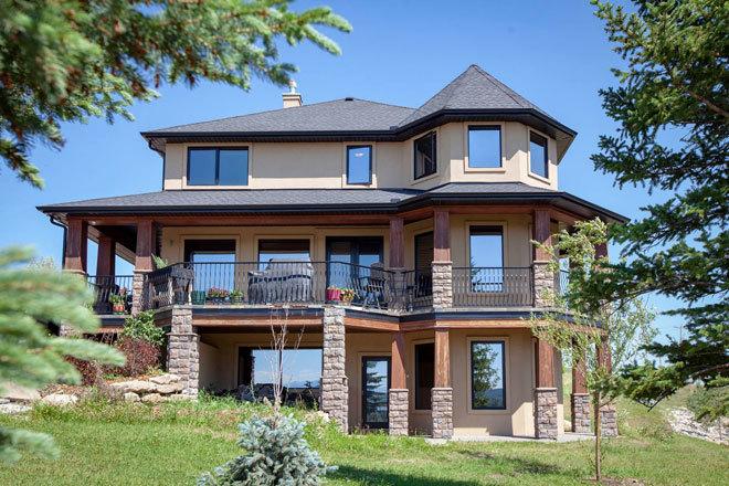 La propiedad de tres plantas de Alla Wagner en Alberta (Canadá).