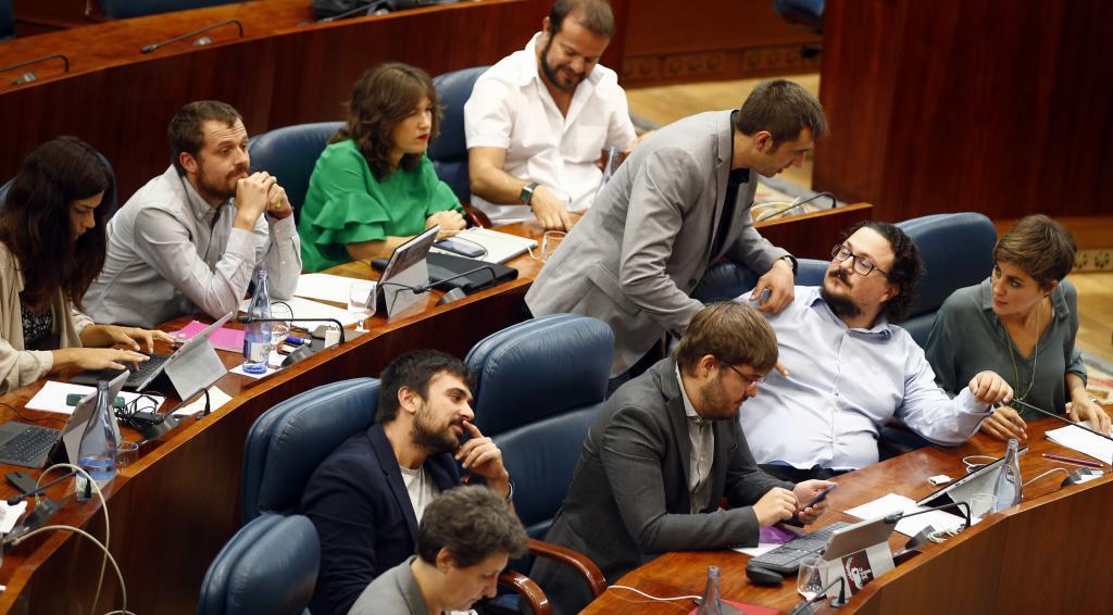 El grupo parlamentario de Podemos antes de la dimisión de Ruiz-Huerta y Ramón Espinar.