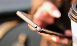 Varias apps de reserva de hoteles graban el móvil para obtener datos bancarios