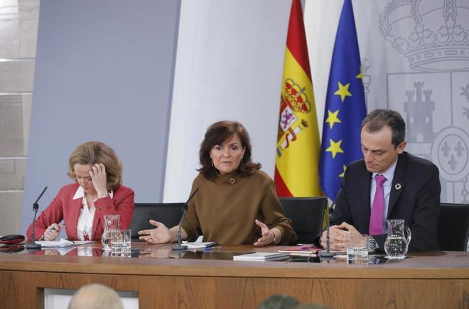 La vicepresidenta, Carmen Calvo, y los ministros Pedro Duque y Nadia...