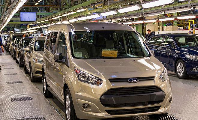 Vehículos de Ford en una de las plantas de la multinacional.