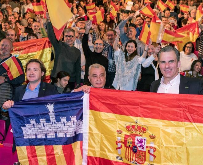 Jorge Campos, Fulgencio Coll y Javier Ortega Smith en el Auditórium de Palma.