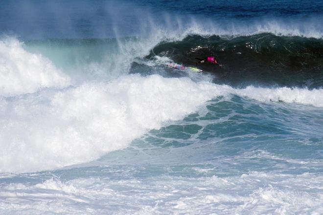 Uno de los surfers durante la competición de La Vaca Gigante, que se ha disputado en Cueto.