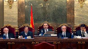 El tribunal que juzgará el 1-O con Manuel Marchena en el centro como...