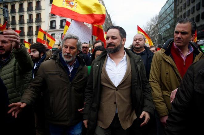 El presidente de Vox, Santiago Abascal, a su llegada  a la...