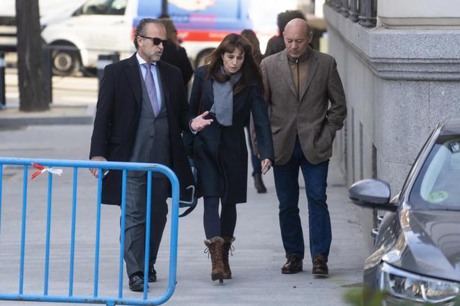 Yolanda García-Cereceda a su llegada a la Audiencia para declarar...
