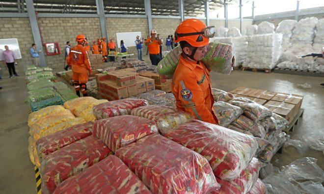 Cargamento con la ayuda humanitaria para Venezuela en un centro de acopio dispuesto en el puente internacional de Tienditas, en Cúcuta (Colombia).