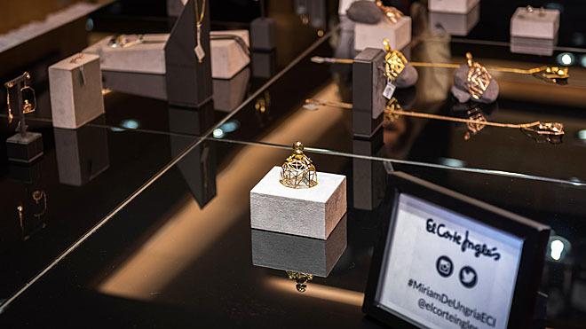 En la colección se combina el clasicismo y el minimalismo.