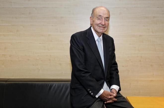 Miquel Roca, abogado.