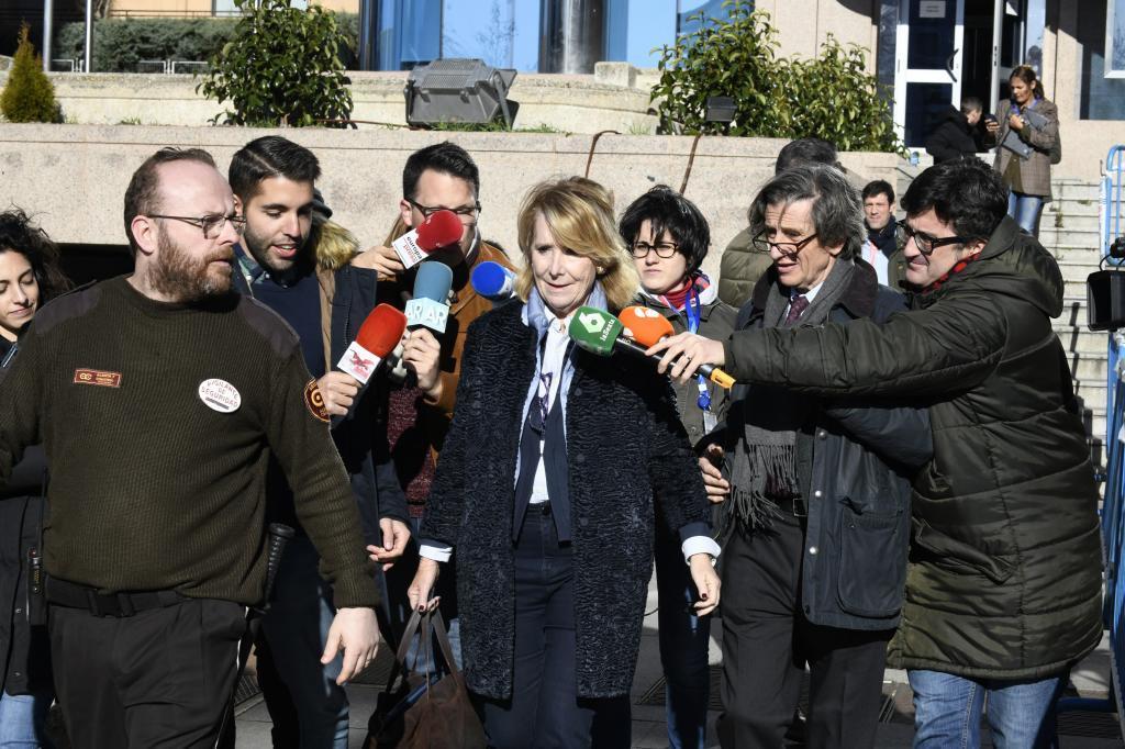 La ex presidenta de la Comunidad de Madrid Esperanza Aguirre tras declarar en el juicio de los espías.