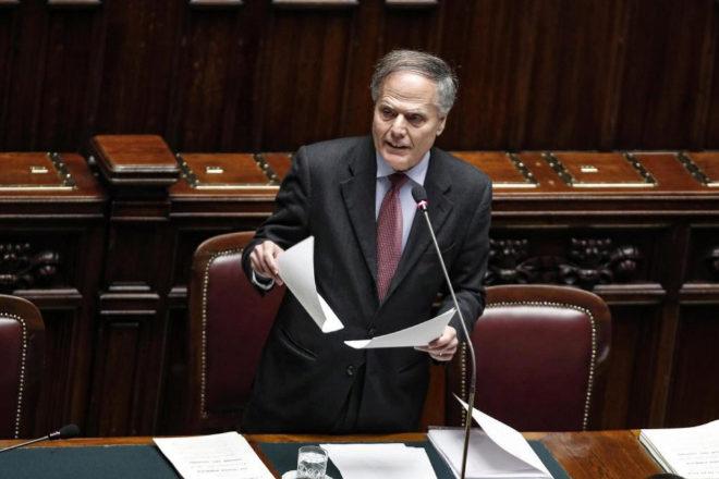El Ministro italiano de Exteriores ofrece un discurso sobre la crisis en Venezuela.