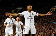 Kylian Mbappé celebra el gol marcado al Manchester United en Old Trafford.
