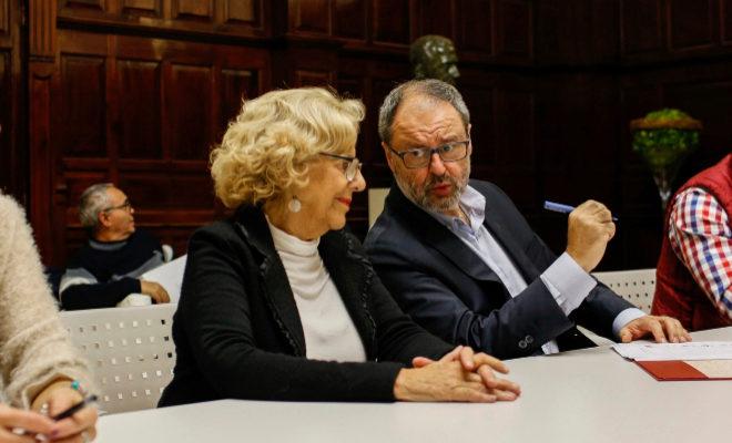 La alcaldesa Manuela Carmena junto al edil de Seguridad, Javier Barbero.