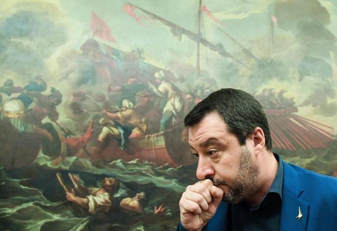 El ministro de interior y vicepresidente italiano, Matteo Salvini, en una rueda de prensa en la Cámara Baja italiana, en Roma, el 11 de febrero.