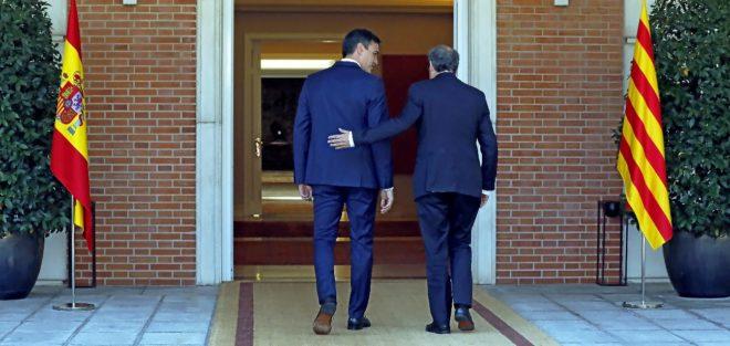 Los presidentes del Gobierno y de la Generalitat, Pedro Sánchez y...