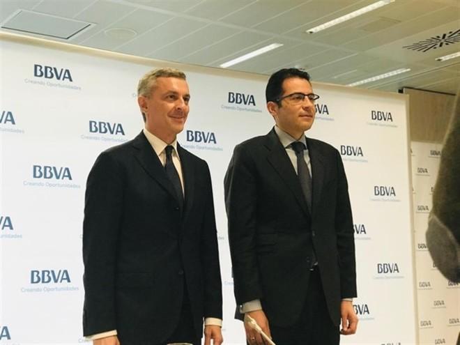 El director de la Territorial Sur de BBVA, José Ballester, y  Miguel Cardoso, economista jefe para España y Portugal de BBVA Research.