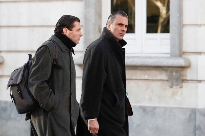 El secretario general de Vox, Javier Ortega Smith, a su llegada al...