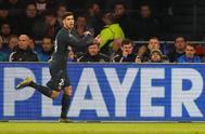 Asensio celebra el segundo gol del Real Madrid al Ajax en Amsterdam.