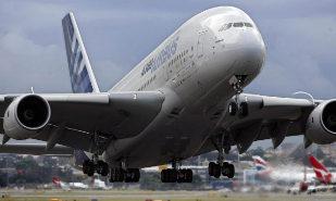 foto de archivo tomada el 7 de junio de 2007 muestra un Airbus A380...