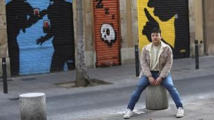 El escritor y periodista Víctor Parkas, retratado en Sants.