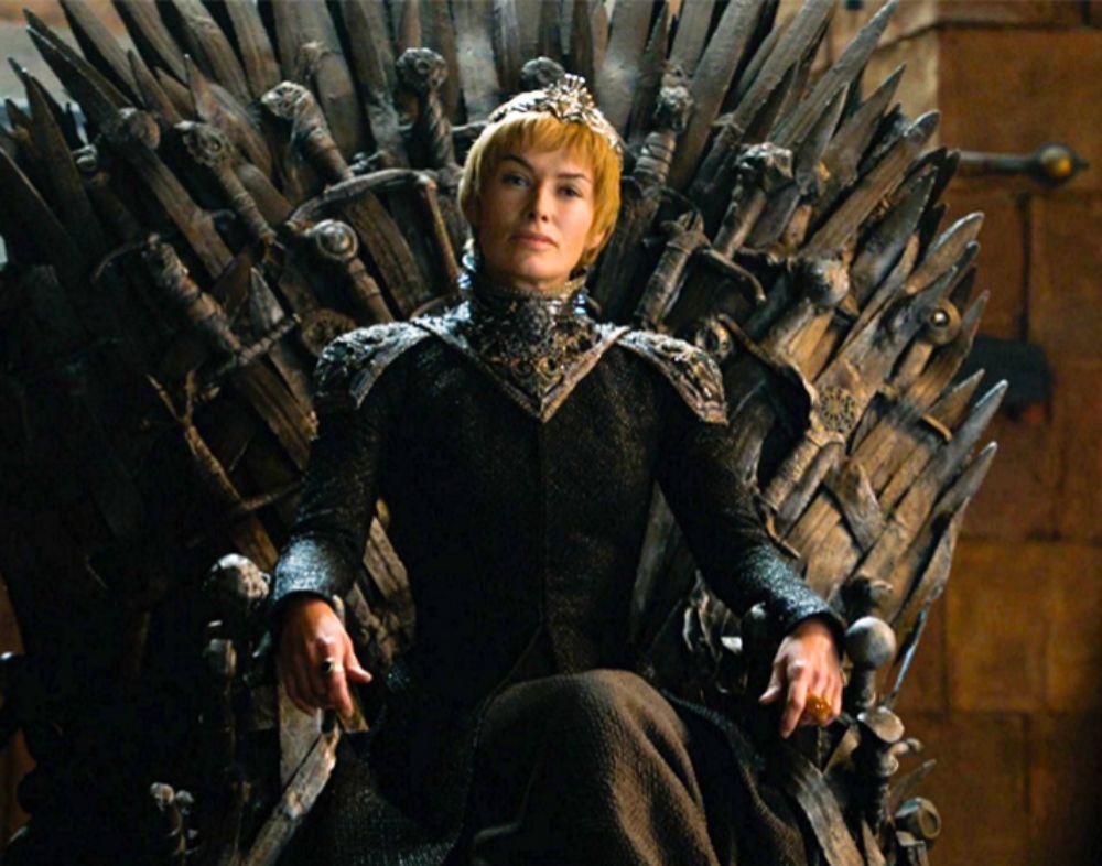 Lena Headey interpretando a Cersei en un capítulo de la serie Juego...