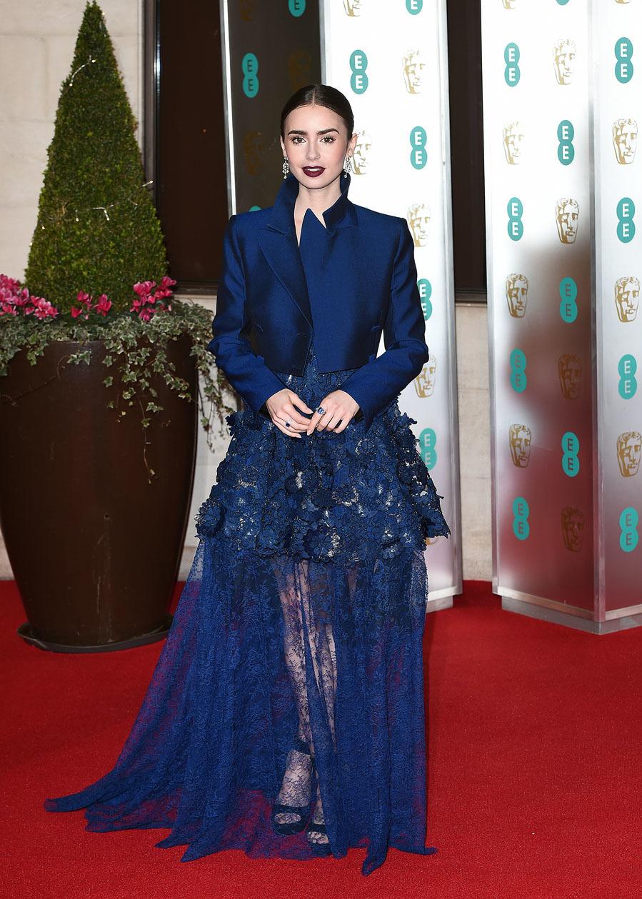 Firmado por Givenchy, la actriz deslumbró en los...