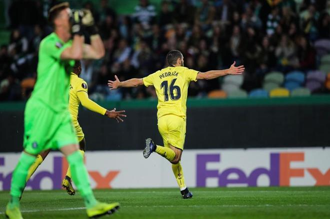Pedraza celebra el gol del Villarreal al Sporting de Lisboa.
