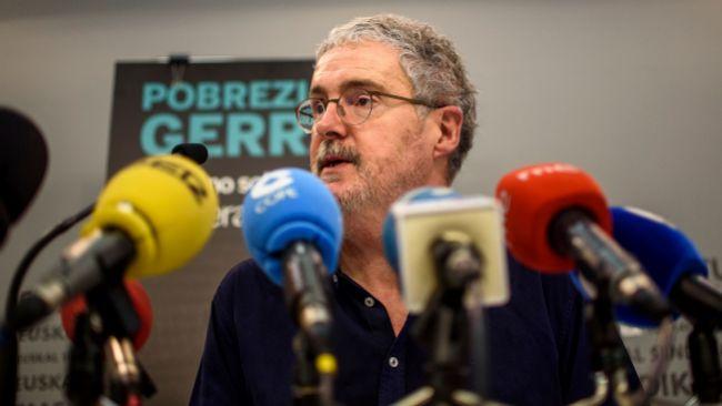 El secretario general de ELA Adolfo 'Txiki' Muñoz durante una comparecencia ante los medios.