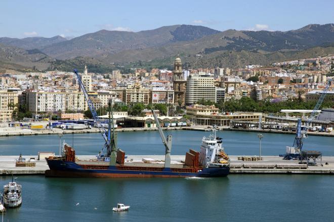 El Puerto de Málaga logra reducir su deuda un 41,6% hasta los 48 millones de euros