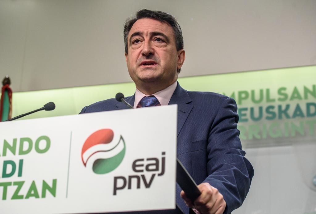 El portavoz del PNV, Aitor Esteban, en Sabin Etxea.