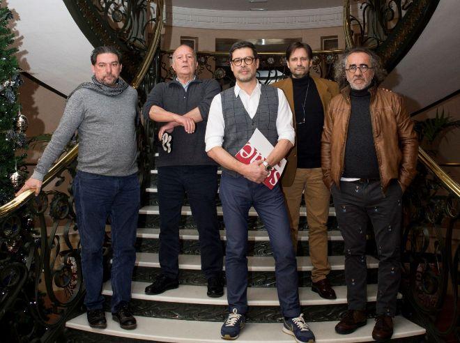 De izqda. a dcha., el consejo de dirección de SGAE: el guionista Antonio Onetti, el dramaturgo Fermín Cabal, el presidente José Ángel Hevia, el editor Clifton J. Williams y el compositor Teo Cardalda.