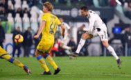 El remate de Cristiano que cerró el marcador ante el Frosinone en Turín.