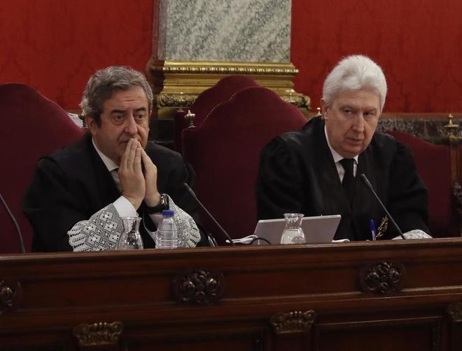 Los fiscales del Supremo Javier Zaragoza y Fidel Cadena, durante el...