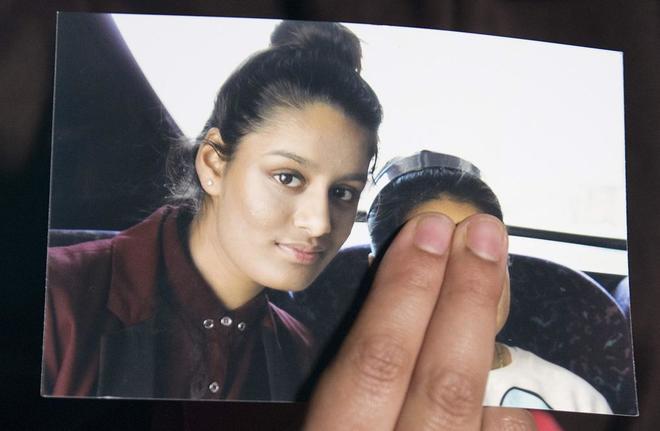 Shamima Begum en una fotografía familiar facilitada por su hermana.