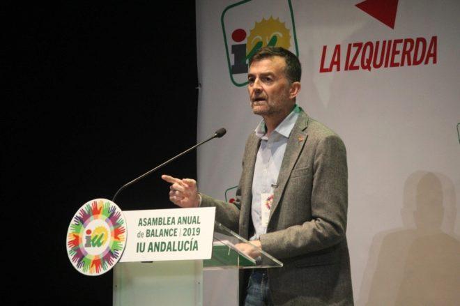 Antonio Maíllo, durante su intervención en la asamblea de Albolote (Granada).