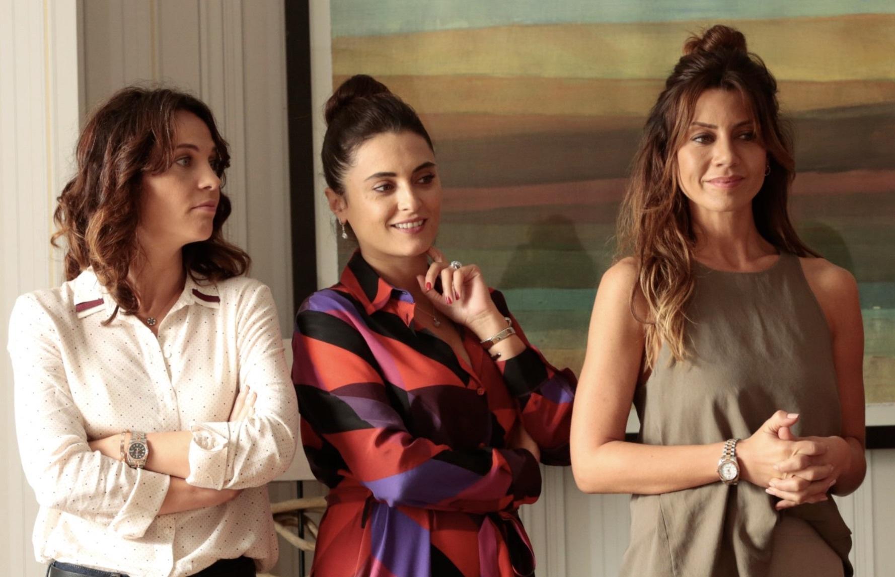 Las protagonistas de Ufak Tefek Cinayetler, una serie turca de gran...