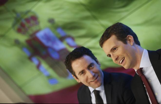 Teodoro García Egea y Pablo Casado, durante la Junta Directiva Nacional del PP.