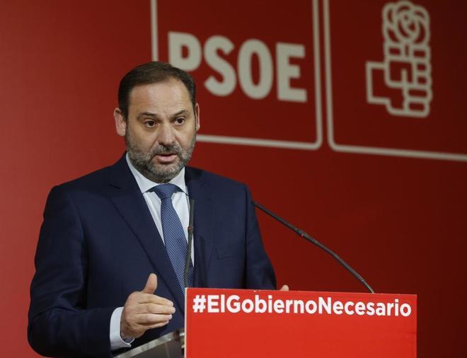 El secretario de Organización del PSOE y ministro de Fomento, José...