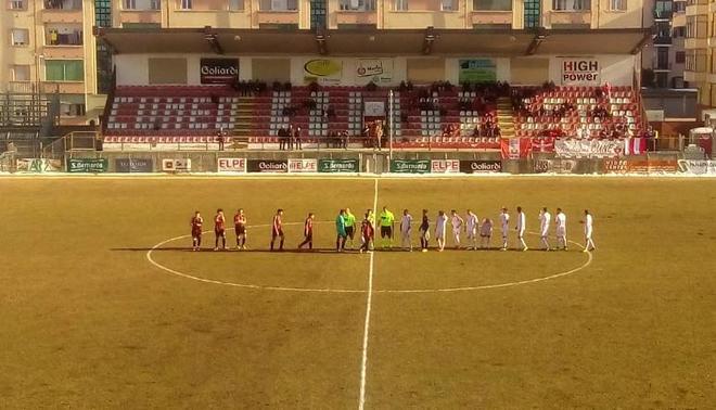 Siete jugadores del Pro Piacenza, antes de enfrentarse al Cuneo.